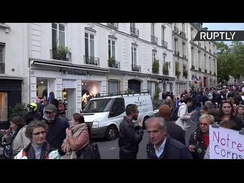 Paris : rassemblement contre une extension de l'obligation vaccinale