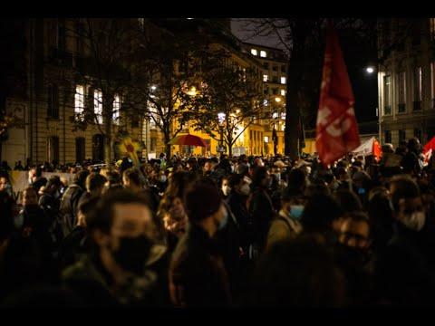 Loi sécurité globale : nombreux affrontements près de l'Assemblée Nationale (Paris 2020)