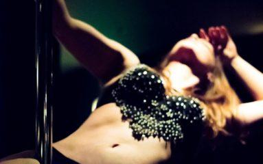 De la fête foraine au «street workout»: le renouveau du Pole Dance