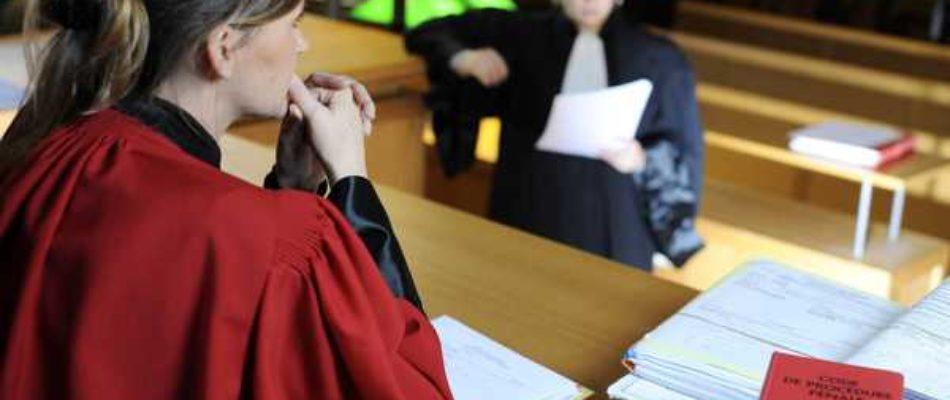 Evry: les avocats en grève
