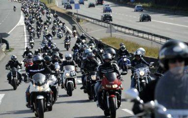 Démonstration de force des motards sur le périphérique