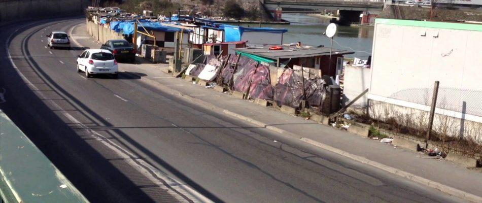 Le casse-tête des camps illégaux Roms en IDF