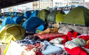 Paris: multiplication des campements de clandestins