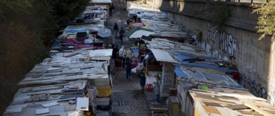 Saint-Denis: les fumées du camp rom sont toxiques