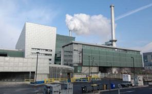 Ivry: le blocage du centre de traitement de déchets continue