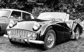 Retromobile: le salon des voitures anciennes reporté en 2022