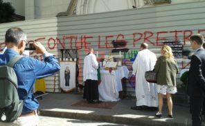 200 personnes pour la messe devant Sainte-Rita