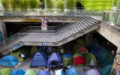 Nord de Paris: encore 500 migrants clandestins évacués