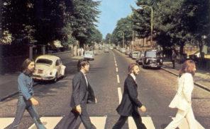 Le passage piéton d'Abbey Road transporté près du Centre Pompidou