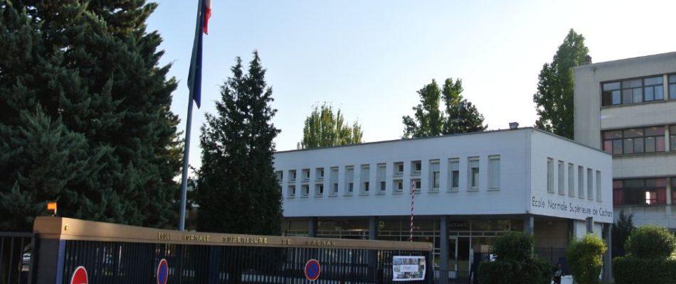 Cachan : 100 migrants installés dans le gymnase de l'ENS