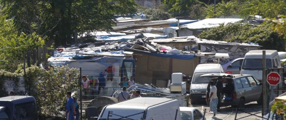 Saint-Ouen : le maire refuse de scolariser les enfants roms