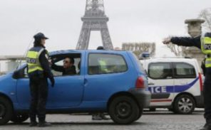 Polémique autour de la mise en place des vignettes anti-pollution à Paris
