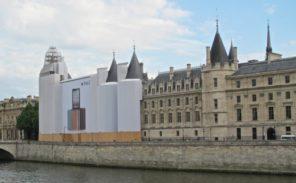 Manifestation contre les «publicités monumentales» à Paris