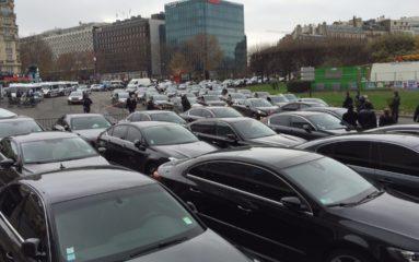 Les chauffeurs VTC bloquent les accès aux aéroports parisiens