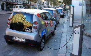 Autolib: Anne Hidalgo envisage «une alternative» à Bolloré