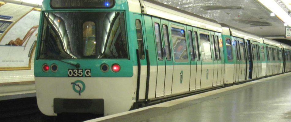 Transports: Valérie Pécresse teste les lignes ouvertes le samedi toute la nuit