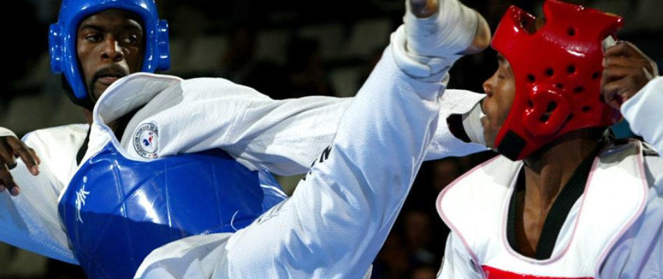 Des cours d'arts martiaux pour les migrants clandestins