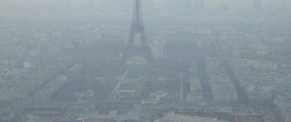 Pollution: guerre contre la voiture mais alternatives à la dérive