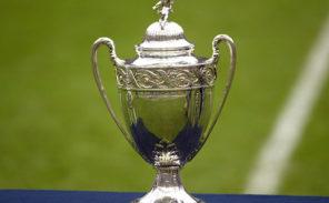 Coupe de France de football: ça passe pour Paris, ça casse pour Fleury!