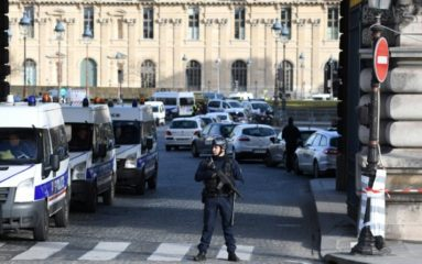 De quoi l'attaque du Louvre est-elle le nom ?