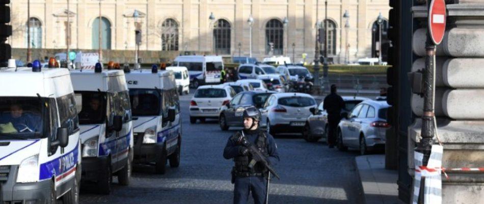 De quoi l'attaque du Louvre est-elle le nom?
