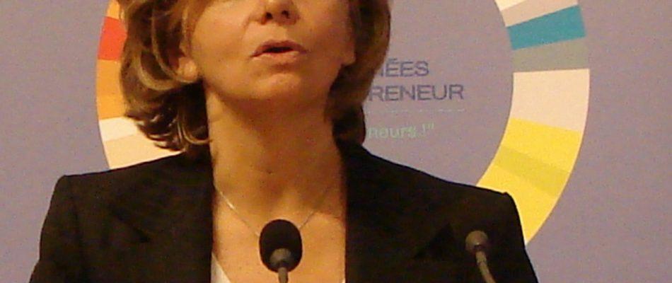 Mantes-la-jolie: Valérie Pécresse soutient l'action des policiers