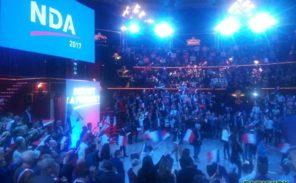 Meeting: Nicolas Dupont-Aignan veut y croire!