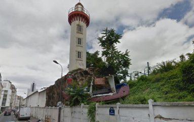 Destruction de l'unique phare parisien