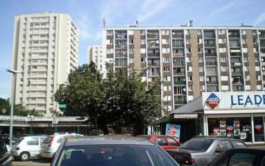 Centre commercial de la Cité Gagarine: champs de bataille pour les bandes des quartiers