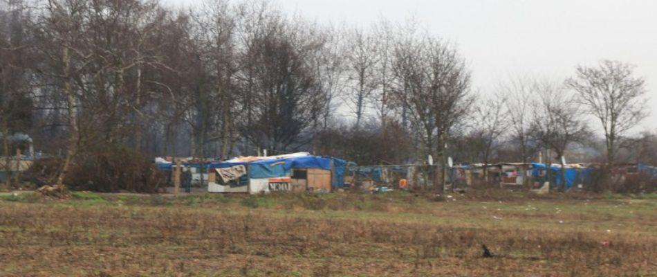 Essonne: paysage de désolation sur l'ancien emplacement du camp de Roms
