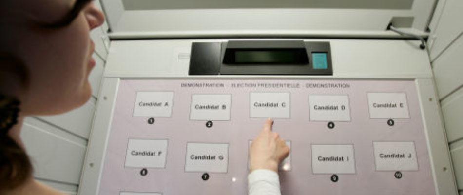 Issy-les-Moulineaux (Hauts-de-Seine): couac sur les machines à voter