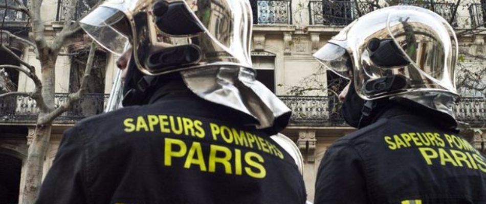 Paris 20e : un pompier aspergé d'acide lors d'une intervention