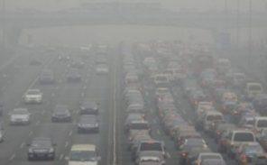 Pollution: une parisienne porte plainte contre l'Etat