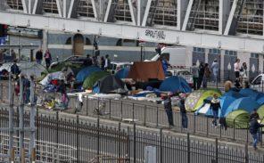 Migrants: ils quittent massivement les centres d'hébergement pour revenir à la Chapelle