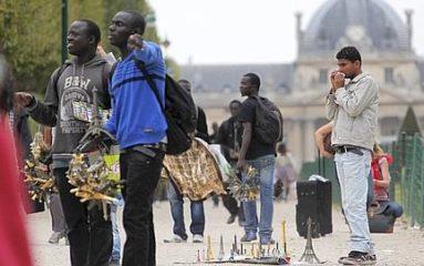 RER C: 100 000 voyageurs bloqués par la fuite de vendeurs à la sauvette