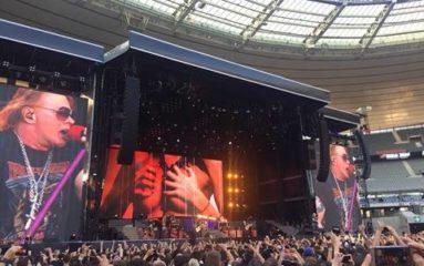Guns 'N' Roses dans la chaleur du Stade de France