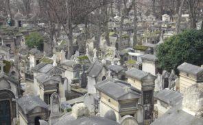 Promenade dans les cimetières