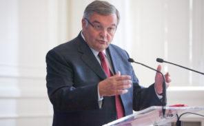 Népotisme: Michel Mercier a embauché sa fille au Sénat… lorsque celle-ci vivait à Londres!