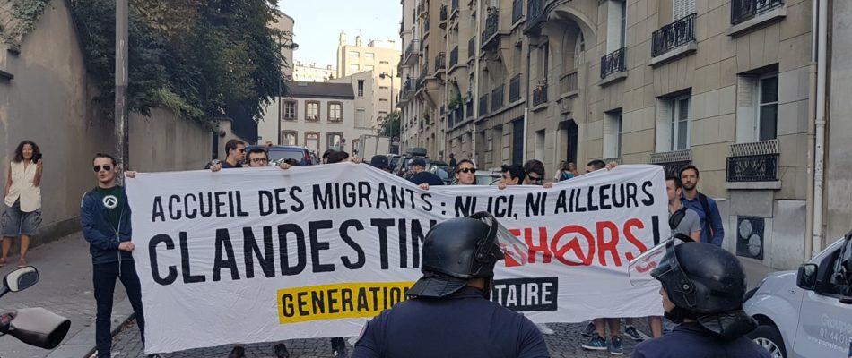 Paris 15: Manifestation contre le camp de migrants