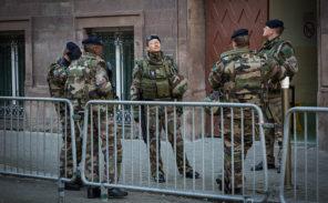 Manifestation des «femmes de militaires en colère»