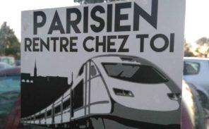 «Parisien rentre chez toi!»: l'extrême gauche accueille des migrants mais pas les parisiens