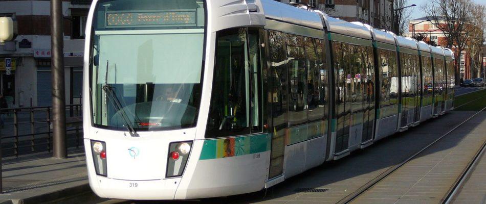 La Garenne-Colombes (92): un conducteur de tramway non-gréviste violemment pris à partie