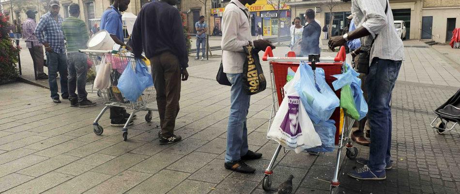 Saint-Denis: mobilisation contre les vendeurs de brochettes illégaux