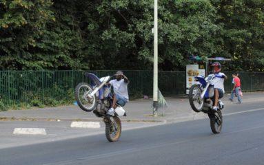 Un rodéo à moto tourne mal dans le nord de Paris