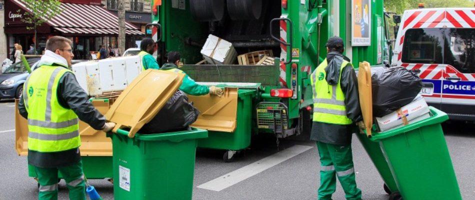 Les éboueurs et égoutiers occupent la mairie de Paris