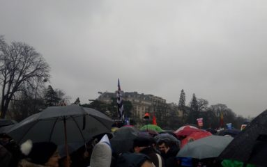 Marche pour la Vie: succès sous la pluie