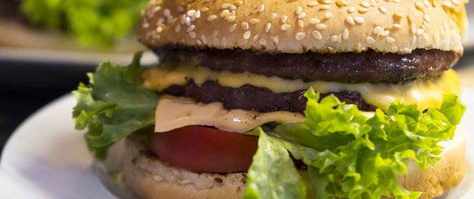 Américanisation: le burger plus vendu que le jambon-beurre