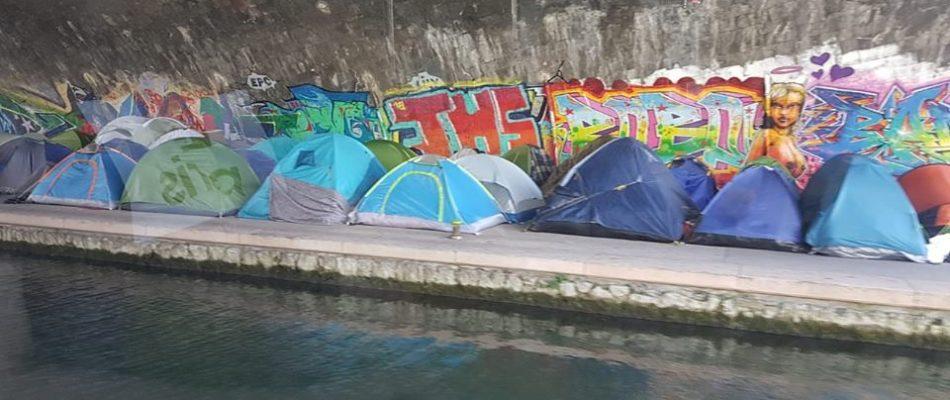 Un campement de migrants évacué à Saint-Denis