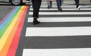 Marquages arc-en-ciel dans Paris: est-ce légal?