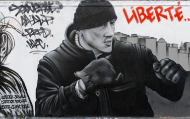 Une peinture murale en hommage à Christophe Dettinger